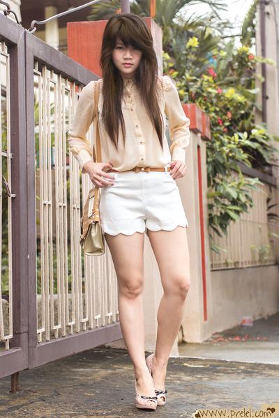 white scallop romwe shorts - beige rose ianywear blouse