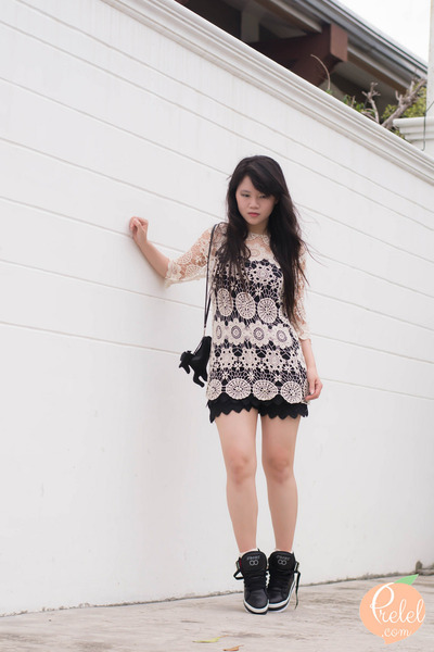 black Lovelywholesale shoes - white Lovelywholesale dress