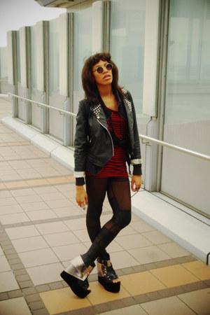 romwe jacket - romwe leggings - GLAD NEWS shirt - vintage sunglasses