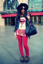 cream romwe t-shirt - leopard print Wego shoes - red Bullhead jeans