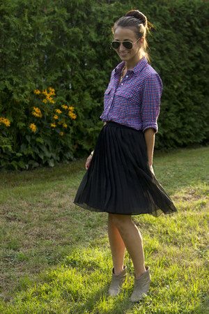 Gap shirt - DSW boots - Forever 21 skirt