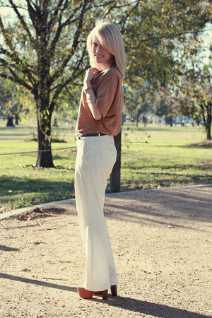 camel Forever 21 top - white New York &amp; Company pants - burnt orange dany platfo