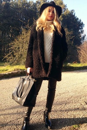 Zara boots - H&M coat - Stradivarius sweater - Zara bag - leather H&M pants