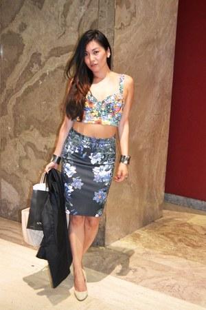 H&M t-shirt - Zara skirt