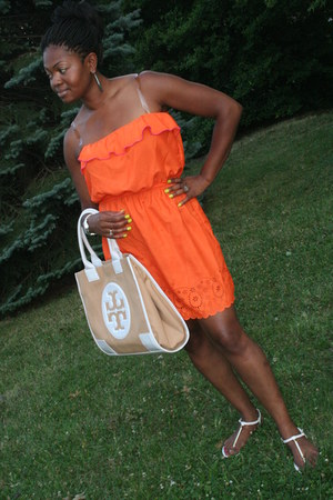dress - tory burch bag