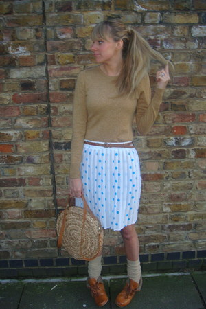 H&M boots - Primark bag - River Island socks - vintage from Ebay skirt - next ju