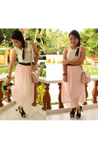 light pink pleated maxi skirt - black foxy Jeffrey Campbell heels