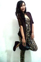 stud brown Rotelli pumps - snake print pants - lace cardigan
