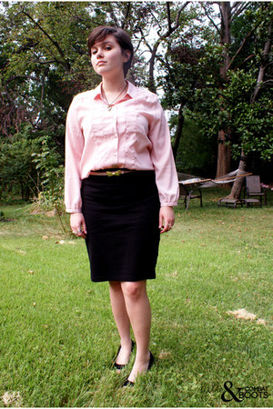 pink threadcase belt - black American Apparel skirt
