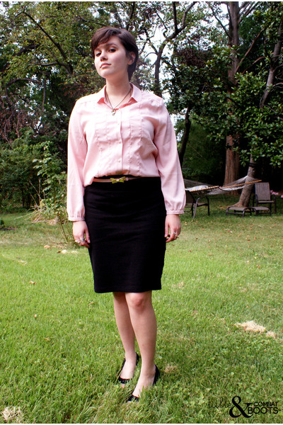 pink threadcase belt - black American Apparel skirt