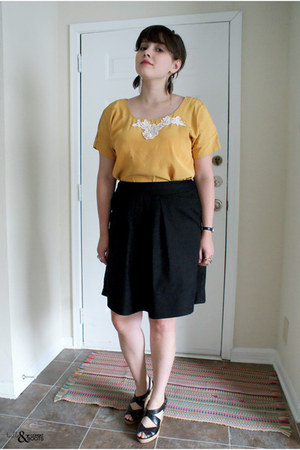 mustard vintage top - black Chelsea Crew wedges - black Ann Taylor Loft skirt