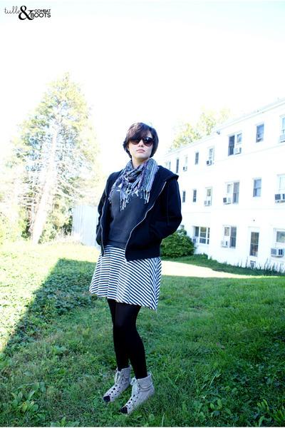 ivory American Apparel skirt - light purple alloy scarf - brown H&M sunglasses