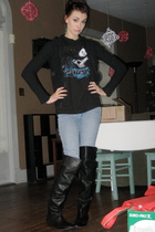 black delias sweater - black Safetysuit Merch t-shirt - blue Bullhead jeans - bl