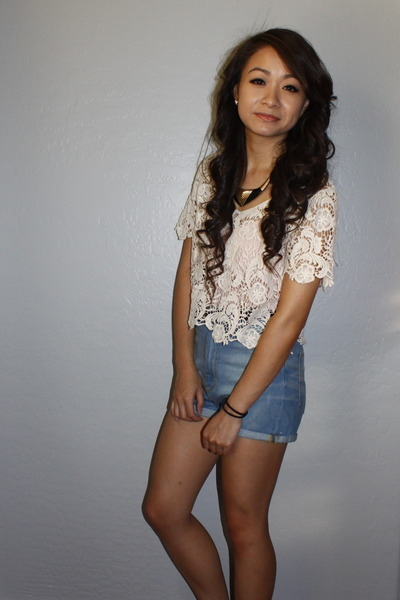 eggshell lace crop Forever 21 top - light blue high-waisted Zara shorts