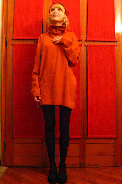 orange ANGELO dress - orange hat - black necklace