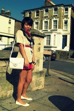 Primark shorts - H&M t-shirt - vintage purse - vintage sweater