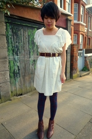 Valerie Tolosa dress - vintage belt - Topshop tights - vintage boots
