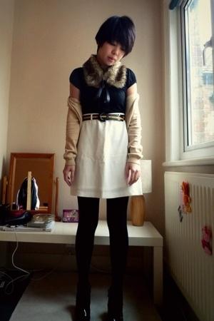 vintage accessories - vintage skirt