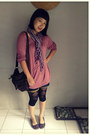 Dark-brown-rip-curl-bag-black-leggings-purple-scarf-blue-vj-jeans-shorts