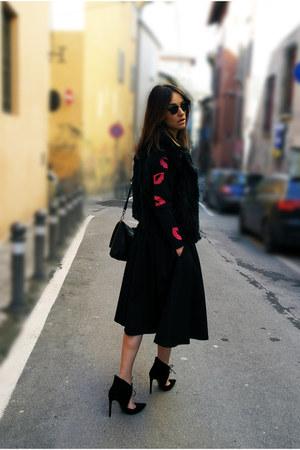 Zara bag - Zara heels - hm top - Gaudi vest - Zara skirt