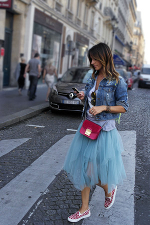tulle Carla G skirt - denim jacket Pikno jacket - leather bePositive sneakers