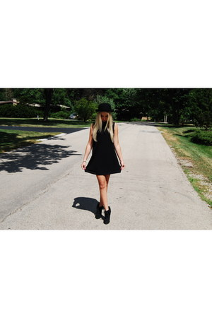 bowler hat Topshop hat - Forever 21 dress - black suede wedges