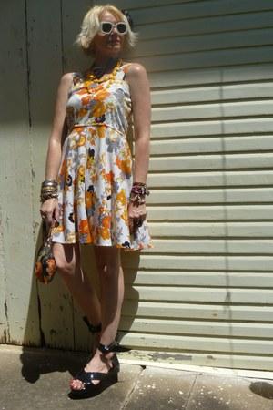 orange 1960s thrifted vintage dress - burnt orange 1960s make up thrifted vintag