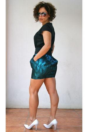 green Zara skirt - black t-shirt - white shoes - gold sunglasses