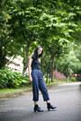 Navy-vintage-pants-black-bratop-uniqlo-top