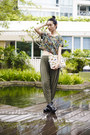 Black-dav-boots-ivory-pijama-bag-olive-green-haute-hippie-pants