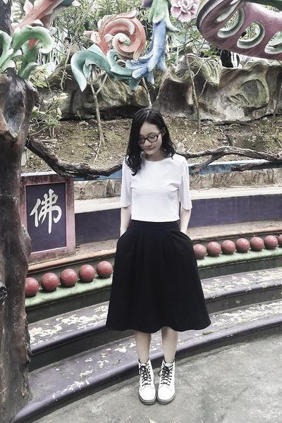 black midi Lowrys Farm skirt - white 1460 8eye Dr Martens boots