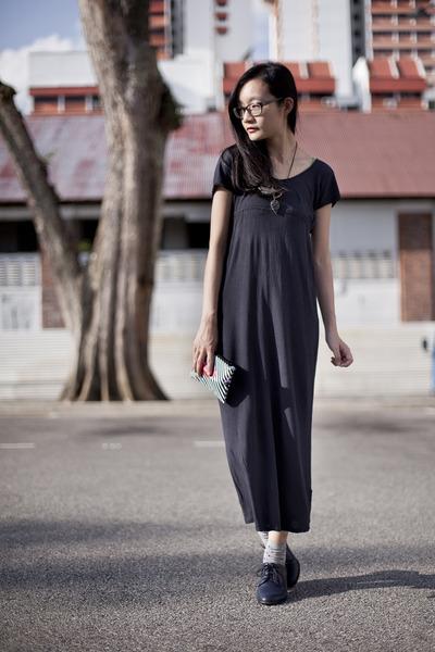 black lips sephora purse - navy maxi dress Forever 21 dress
