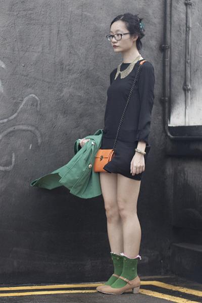 green raincoat cape calvin klein coat - black h&m divided dress