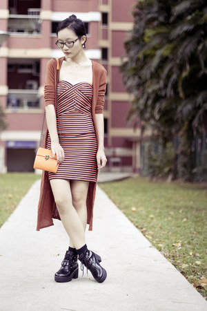 carrot orange striped modcloth dress - carrot orange crossbody Steve Madden bag