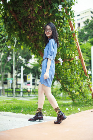 maroon cutout Jeffrey Campbell boots - blue denim Uniqlo dress