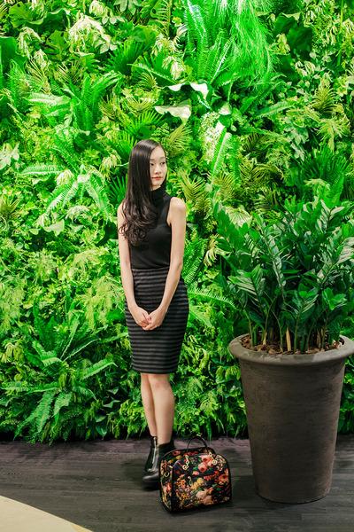 black floral Dressin bag - black sleeveless Topshop top