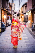 red kimono Maica dress