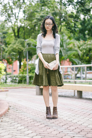 heather gray bratop E-Mart top - brown heels Jeffrey Campbell boots
