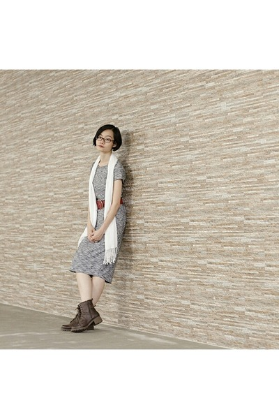 brown brown Steve Madden boots - silver midi cotton on dress
