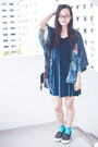 Black-platforms-spurr-shoes-blue-velvet-cotton-on-dress