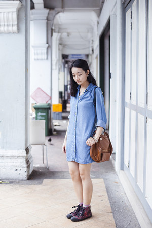 sky blue Uniqlo dress - bubble gum striped Accessorize socks