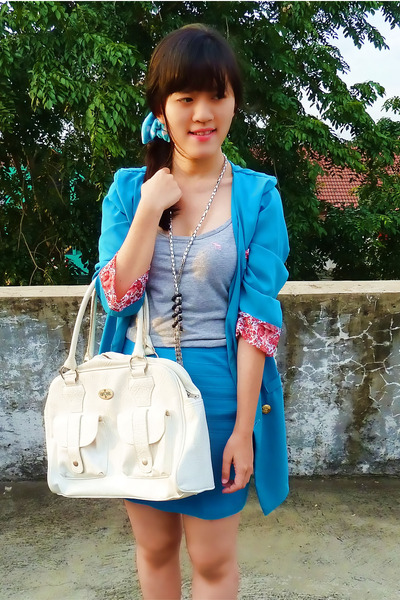 sky blue Local Boutique blazer - white Guess bag - silver Chain necklace