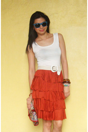 gifted purse - blue sunglasses - ivory top - tawny Fashion Fruit skirt