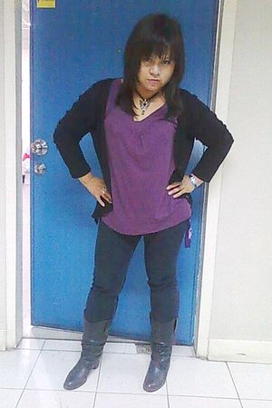 black solo boots - black landmark cardigan - black WS Jeans Wear jeans - purple