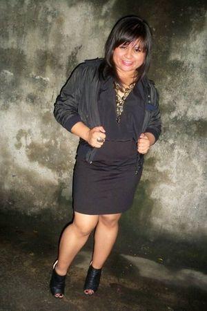 black Parisian shoes - black vintage dress - black vintage jacket - gold miss es