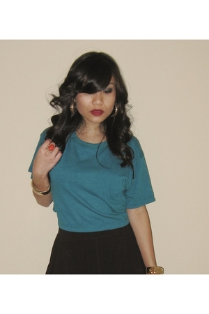 green American Apparel shirt - black f21 pants - black Steve Madden shoes - gold