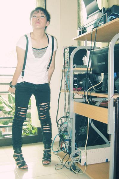 Gaudi shirt - Mango pants - belt - shoes