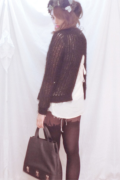 black asos hair accessory - slit back knit asos sweater - Paloma Picasso bag