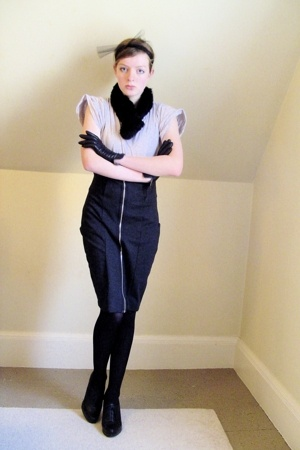 H&M t-shirt - H&M skirt - CVS tights - Nine West shoes - gift gloves - thrifted