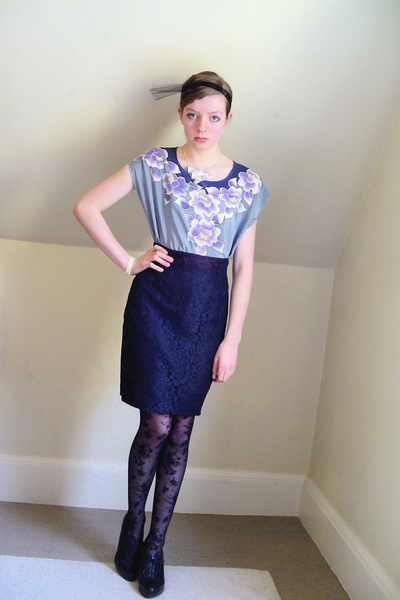 black lace H&M tights - black Nine West shoes - blue batik floral thrifted dress
